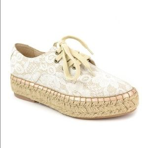 NWOT J/Slides Lace Up Lace Espadrilles